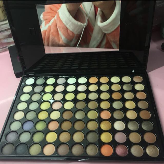BH cosmetics 88 shades neutral eyeshadows