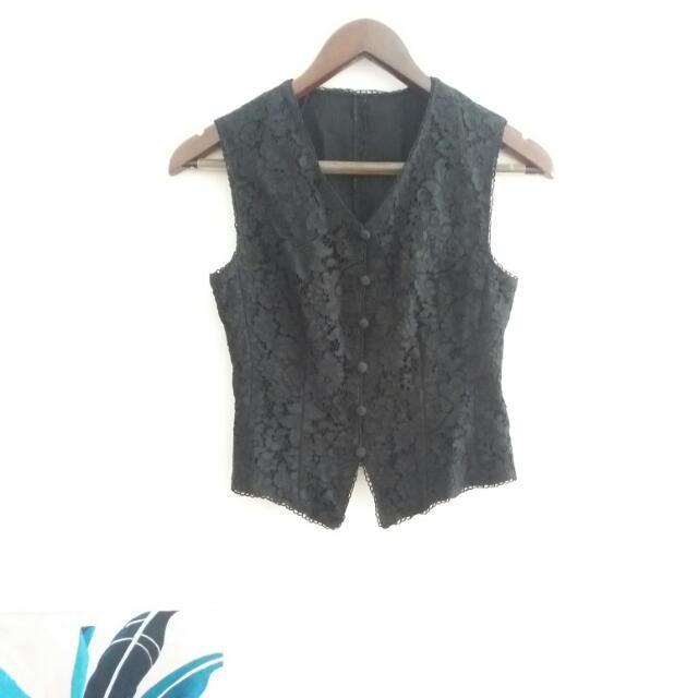Black / Lace / Vest