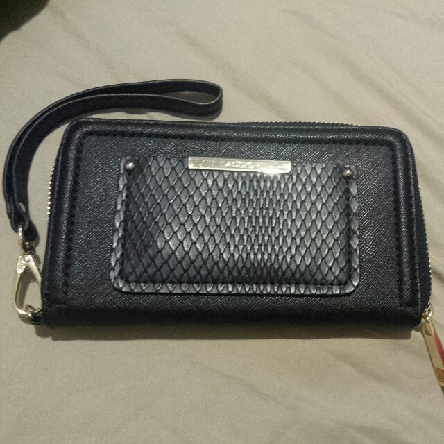 black wristlet/wallet