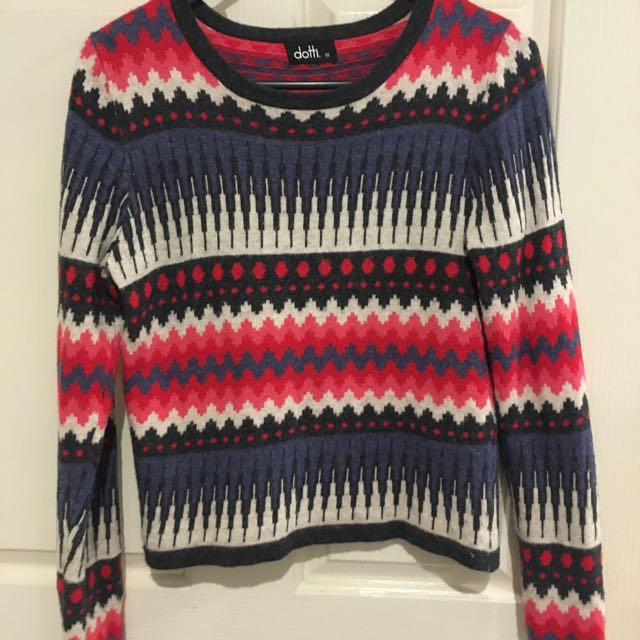 Ditto Size 6 Top