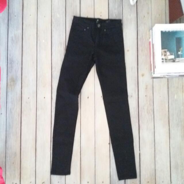 H&M / Black Jeans /