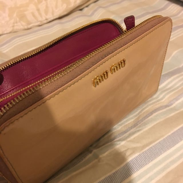 Authentic Miumiu Pinky Wallet