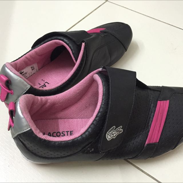 f9d79a4cca7c Preowned Lacoste Shoes 7.5