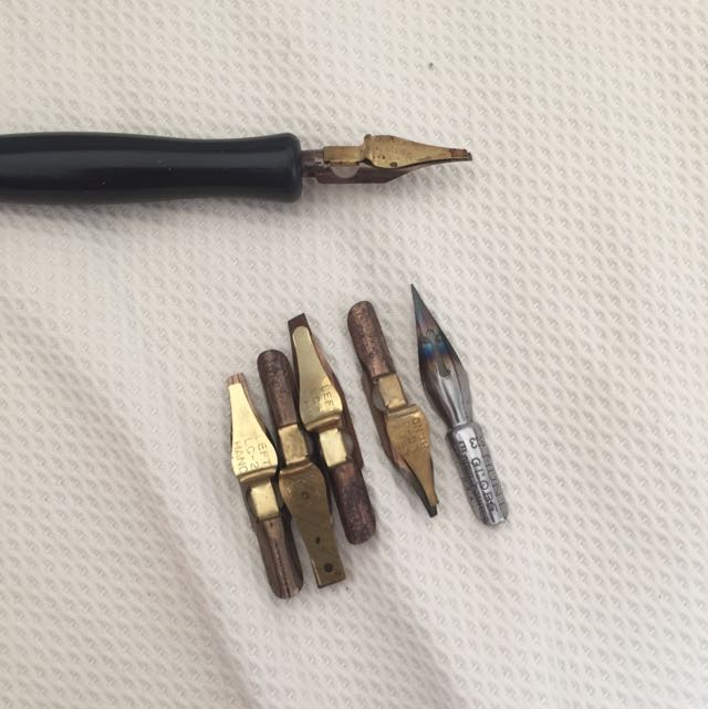 Speedball Calligraphy Dip Pen Set - For Left Handed