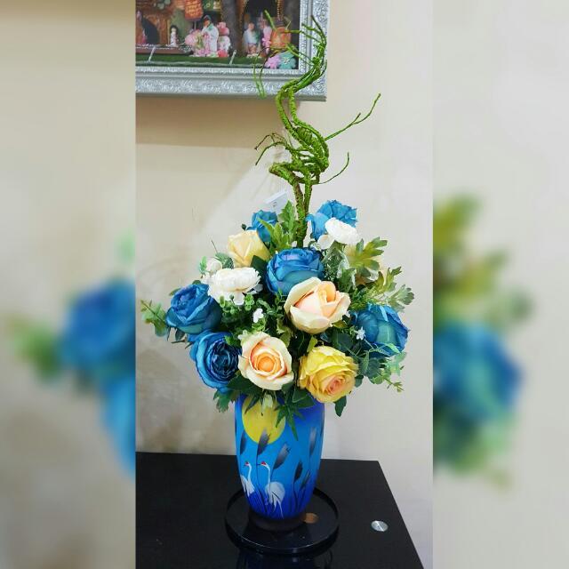 Vas bunga lengkap dg artificial flowers