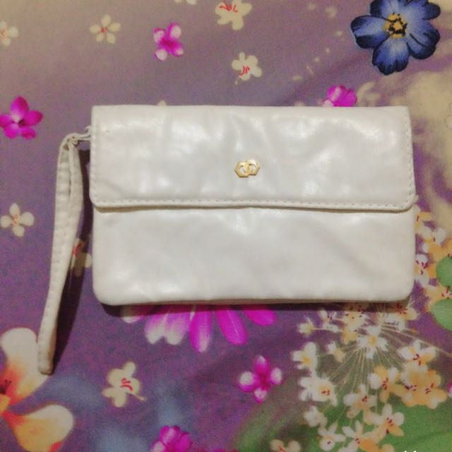 🎈 REPRICED 🎈White Wallet