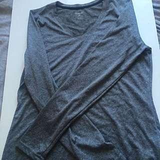 Rebook Long Sleeves V-neck Top