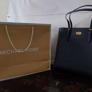 Brand new Michael Kors Jet Set Leather tote