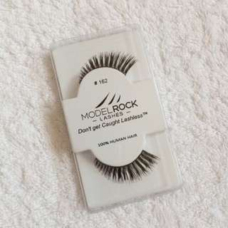 Model Rock Lashes