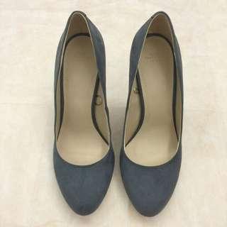 全新 ZARA 典雅灰仿麂皮高跟鞋(Size 39)