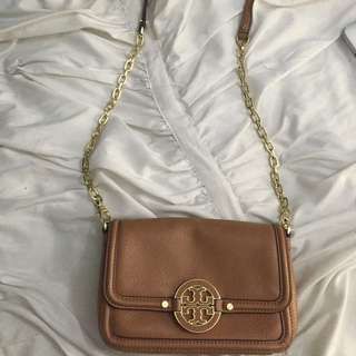 Tory Burch 100% Pebble Leather Never Used crossbody Bag With Gold Detailing