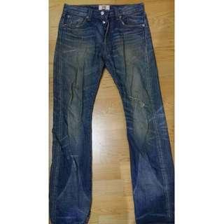 Levi's 501 小破壞 牛仔褲