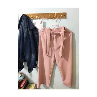 粉色吊帶寬褲