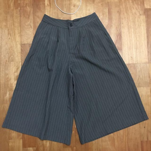 灰色條紋寬褲