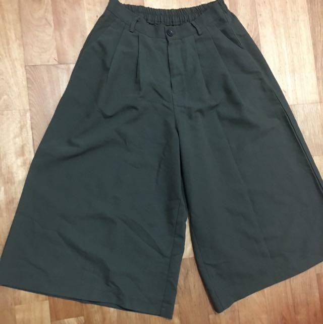 綠色休閒寬褲