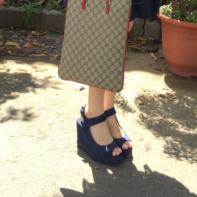 深邃藍緞面楔型涼鞋 38號,九成新
