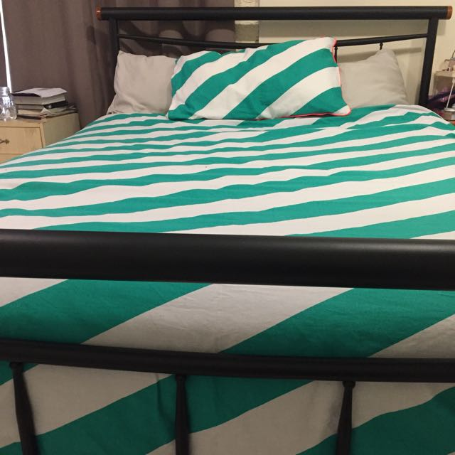 Bed Frame With Mattress (Double)