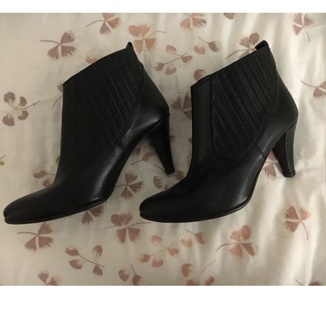 Black Leather Heel Boots Size 7