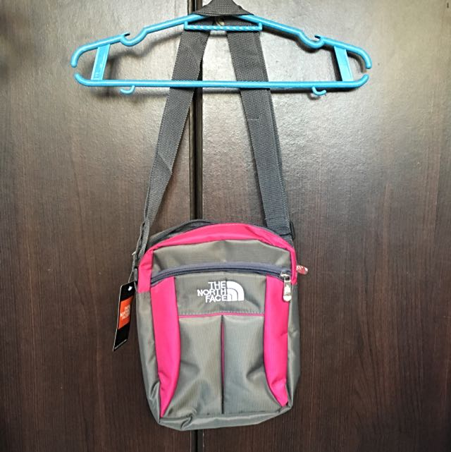 Body Bag (North Face) Good Quality