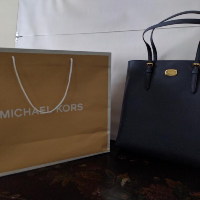 Brand new Michael Kors Jet Set Leather tote