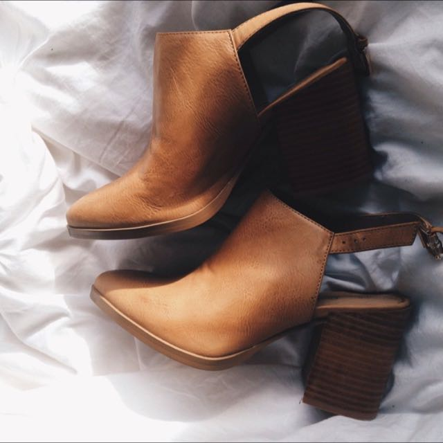 Camel Sportsgirl Ankle Boots