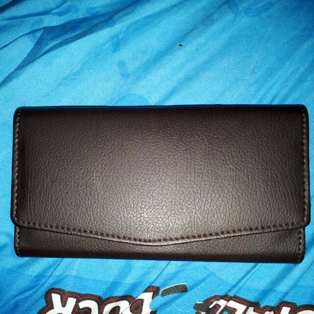 Dompet Lipat Tiga