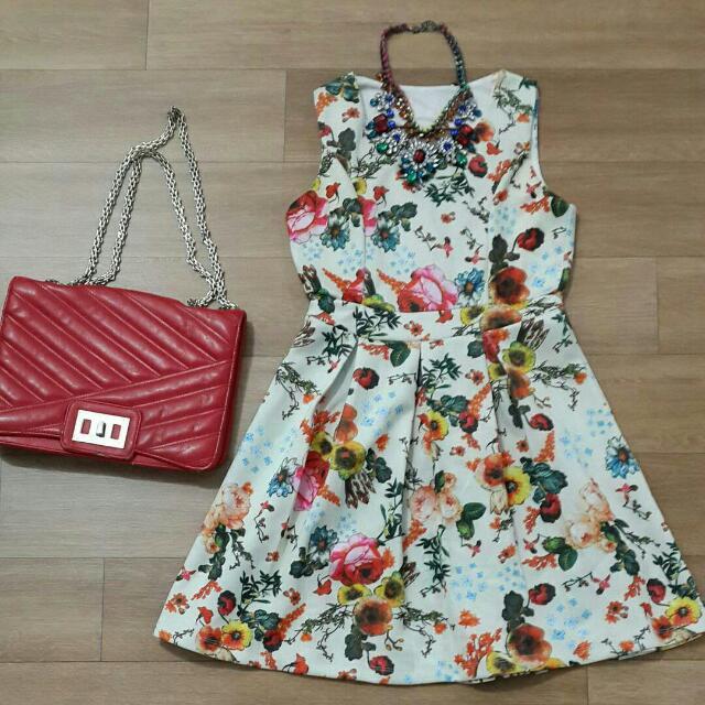 Flower dress  bahan spandex tebal  Size S - M kecil LD 76 cm P 80 cm