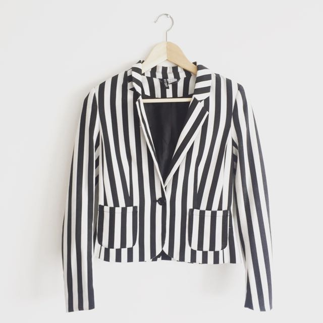 H&M - B&W Stripes Blazer