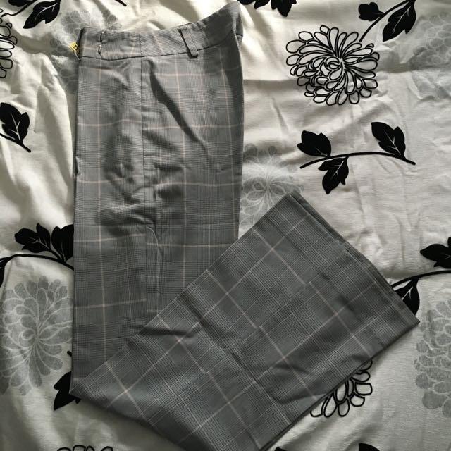🔴LE CHATEAU Dress Pants - Size 1/2