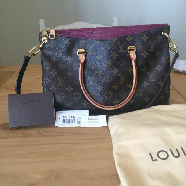 Louis Vuitton Pallas Aurore