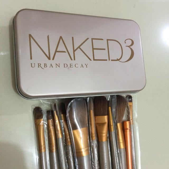 Make Up Brush Naked 3