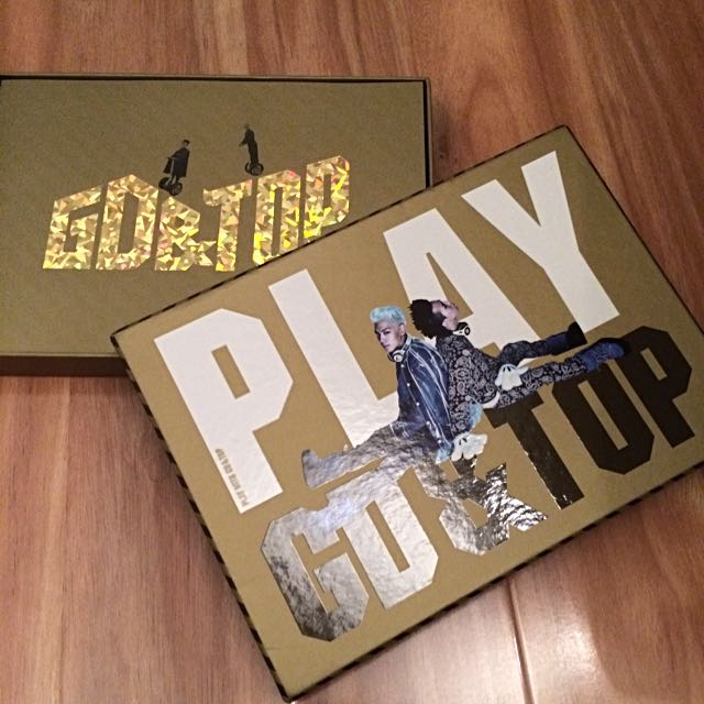 PRICE DROPPED: New Play With GD & TOP DVD+PHOTOBOOK