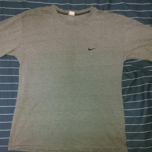 Nike 運動短T