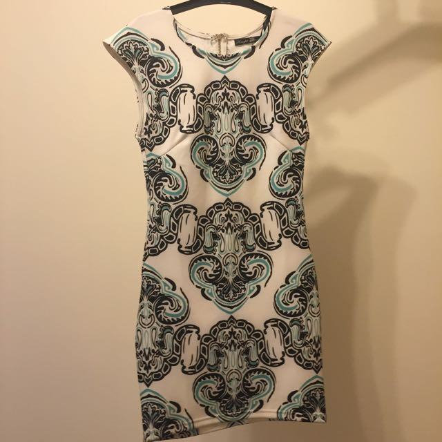 Print Dress Fitted size 6