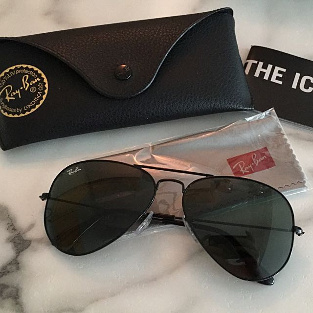 Ray-Ban BLACK Aviator