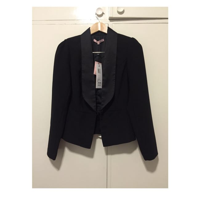 Brand New Review The Dinner Jacket