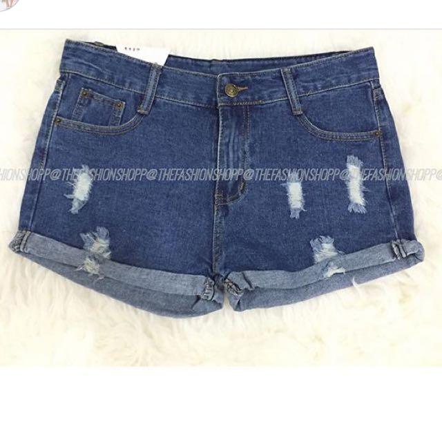 Ripped Shorts / Celana Pendek Jeans