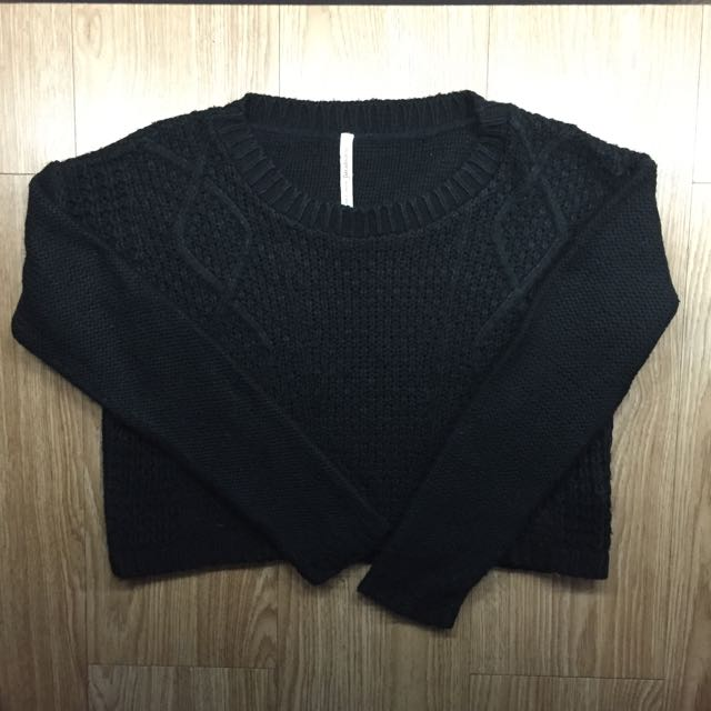 Stradivarius Black Crop Knit Sweater
