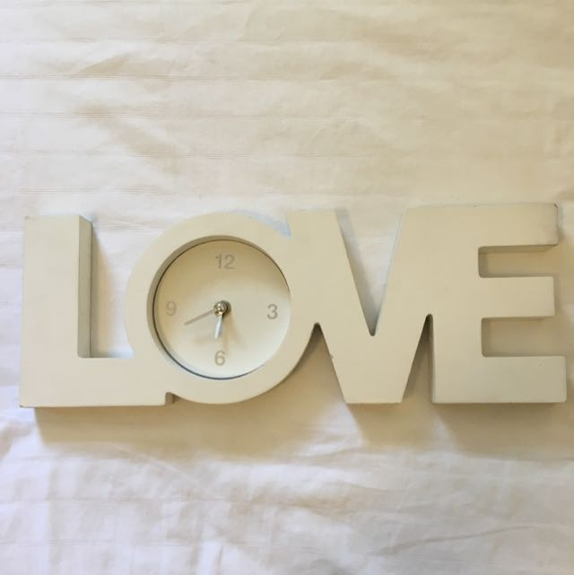 TIME FOR LOVE, Working Clock!