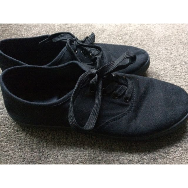 Vans-like Black Shoes
