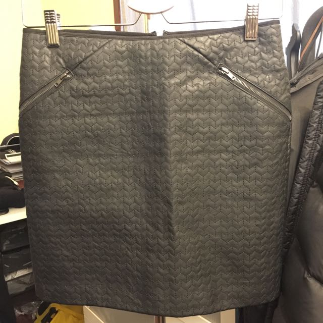 Vera Moda Faux Leather Skirt In Size 8 / Eur34