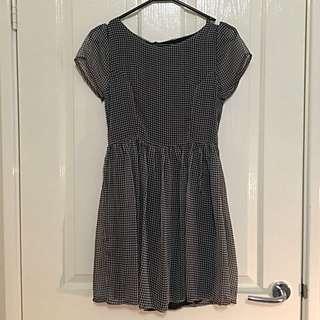 Dress - Zipper Back