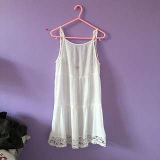 Kendall&Kylie White Dress