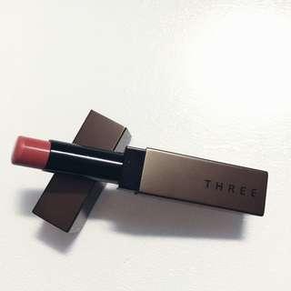 THREE唇膏絲光Velvet Lipstick裸粉色