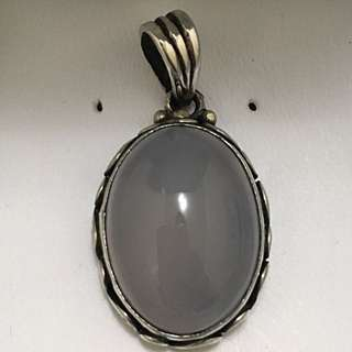 Sterling Silver Vintage like Pendant with Gemstone