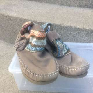 Size 9 Moccasins