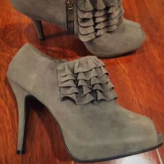 Grey Heels With Ruffle, Suede