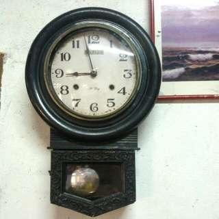 Old Antique Wall Clock / Jam Dinding Antik
