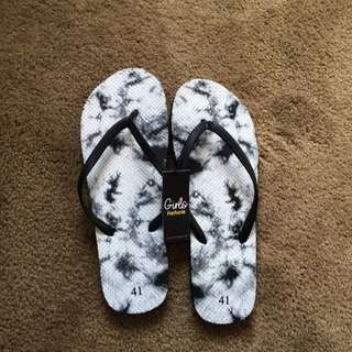 White Black Marble Thongs With Tags