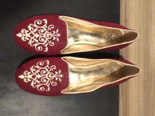 Vince Camuto Flats size 8
